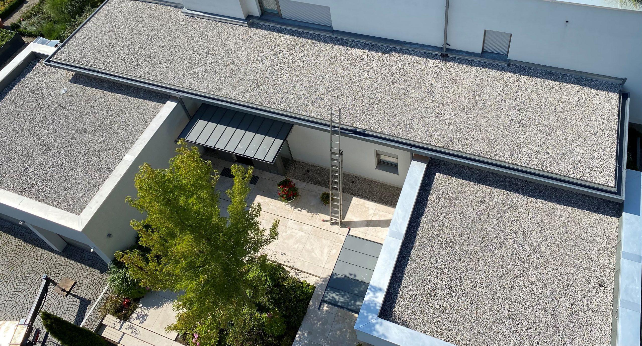 Flachdach Dachdecker Bauder